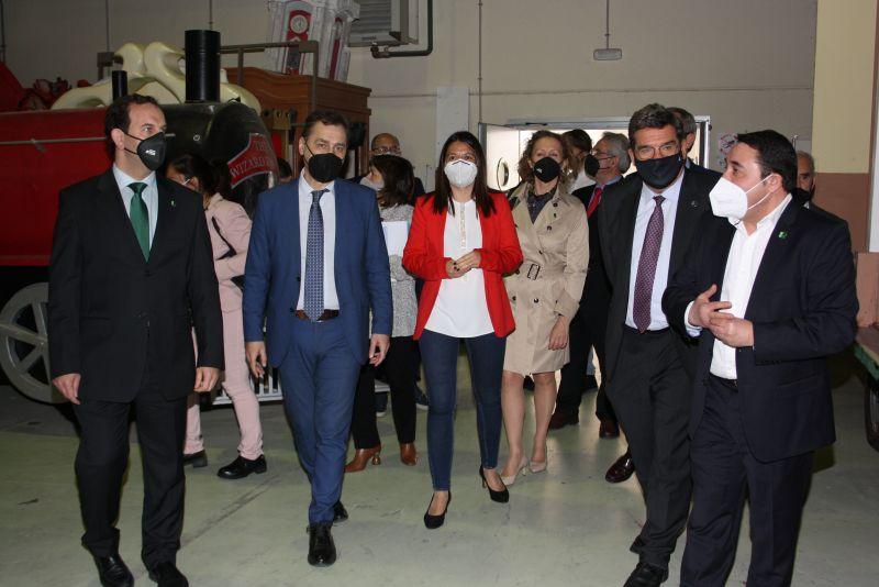 El Ministro de Inclusión, Seguridad Social y Migraciones, José Luis Escrivá, realiza una visita a las instalaciones de Fundación Asla en Romica